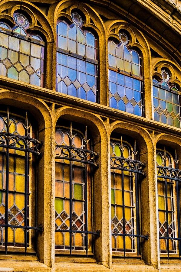 Sablon Cathedral Window
